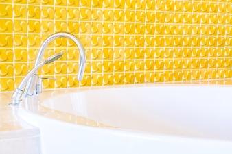 Light ceramic window interior tub