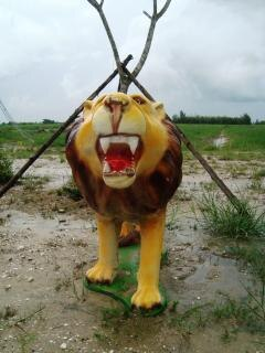 Lion garden ornament