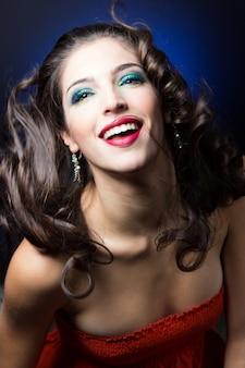 唇の肖像画のイメージチェンジ青い背景