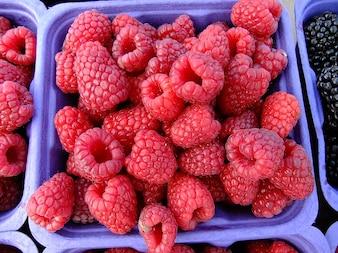 market raspberries fruit