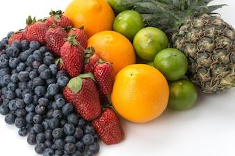 果物を混ぜる
