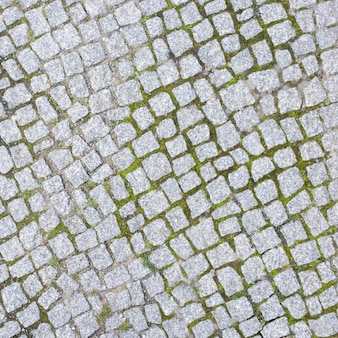 Natural stone paviment