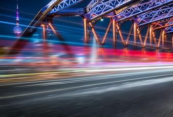Night view of the Waibaidu Bridge