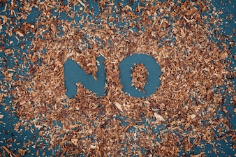 黒板にたばこを使った禁煙看板はありません。