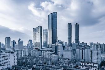 観測都市の建物のビジネス鋼