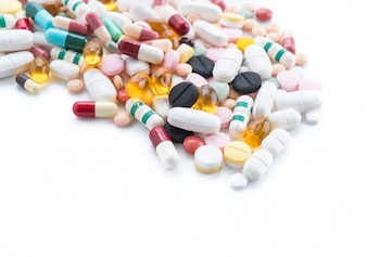 薬の丸薬とカプセルのパッキング