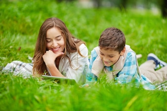 Parenting using online kid relax