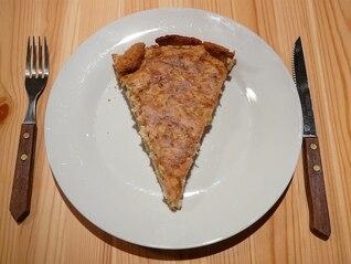 piece cake zwiebelkuchen onion