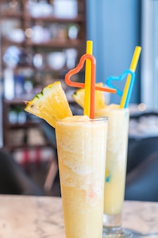 Pineapple smoothie in a cafe'
