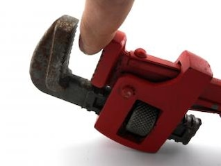 Pipe wrench, powerful