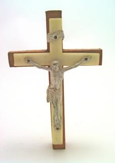 Plastic jesus, cross