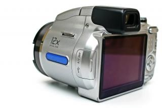 point and shoot camera, close, light
