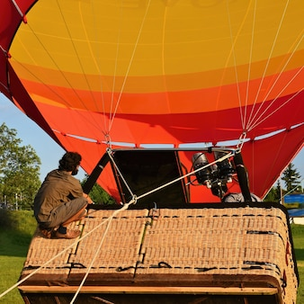 Preparation for the start of the hot air balloon.