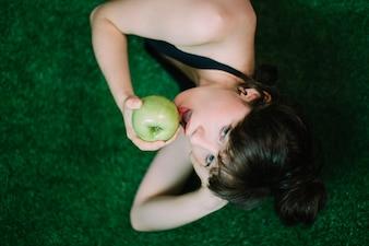 Prettywoman with apple