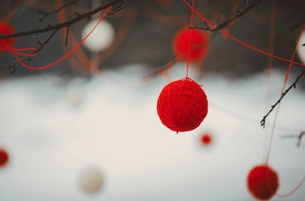 赤と白のボールの装飾