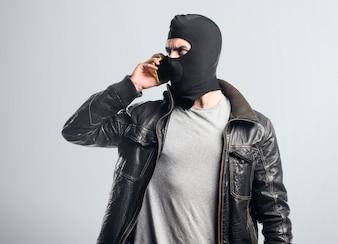 モバイルと話す強盗