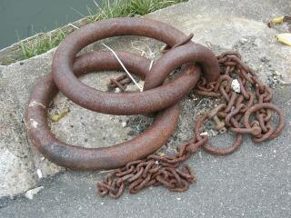 Rusted moor-rings
