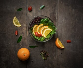 Salad with orange and cherry tomatoes