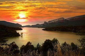 Sau reservoir in sunset