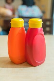ソースボトル