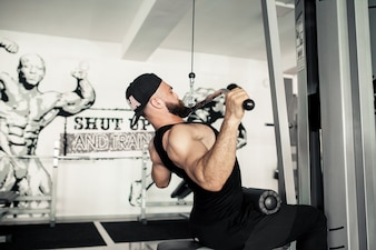 Six pack man triceps posing sport