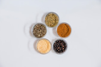 Spices standing in circle