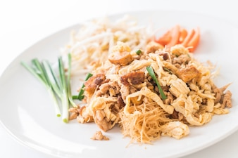 Stir fry noodles in Thai style