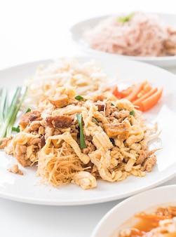 タイスタイルの炒め麺