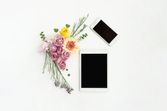 Tablet and mobile phone with decorative flowers