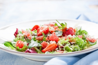 Tasty salad with strawberries