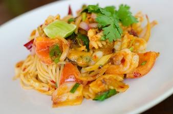 スパゲッティエビソース、Tom Yum Goongスパゲッティ:タイとイタリアの融合料理。