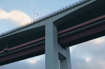 The structure of the bridge