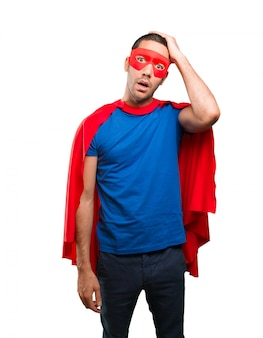 疲れた若いスーパーヒーロー