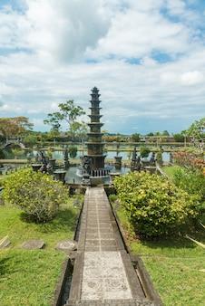 Tirtagangga水の宮殿