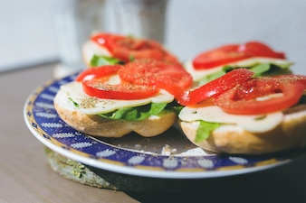 Tomatoes, cheese and lettuce