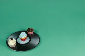 Vinyl with three delicious cupcakes