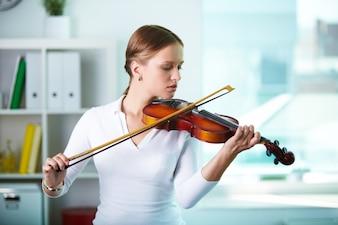 Viola lady instrument she string