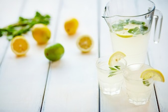 Water bar lemon alcohol tonic