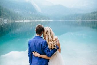 Wedding couple in Lake Di Garda happy