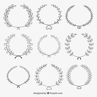 Wreaths in sketchy style