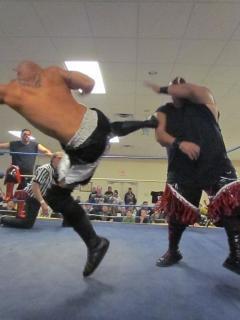 wrestling match  hit  body