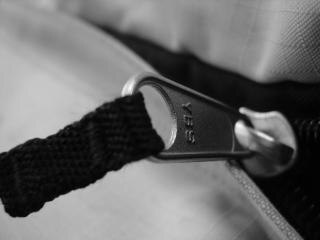 Zipper, blackandwhite