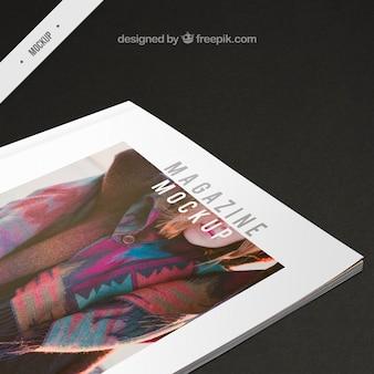 ファッションの表紙雑誌のモックアップ