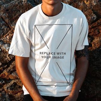 Mockup model men tshirt