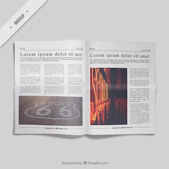 現実的な新聞のモックアップ