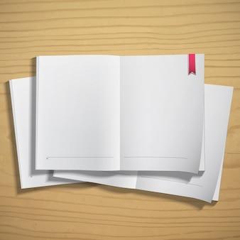 木製の背景に空白の紙