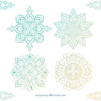 装飾エレガントな手描きの曼荼羅