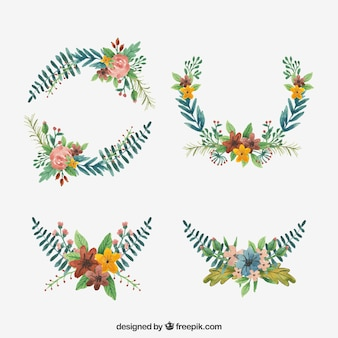 Floral wreaths with watercolor style
