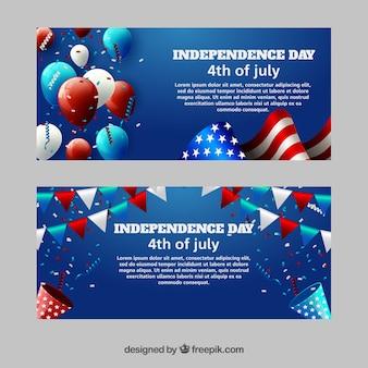 独立記念日のための花輪と風船のある素晴らしい旗