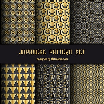 Japanese patterns with golden abstract shapes